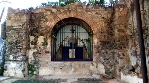 Casa Santo Domingo altar